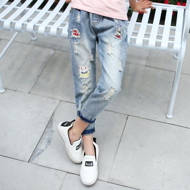 2017 Niños Ripped Jeans Para Niñas Ropa Casual Brand Pantalones Lápiz niñas Pantalones de Mezclilla de Primavera Ropa de Los Niños 5 7 9 11 Años