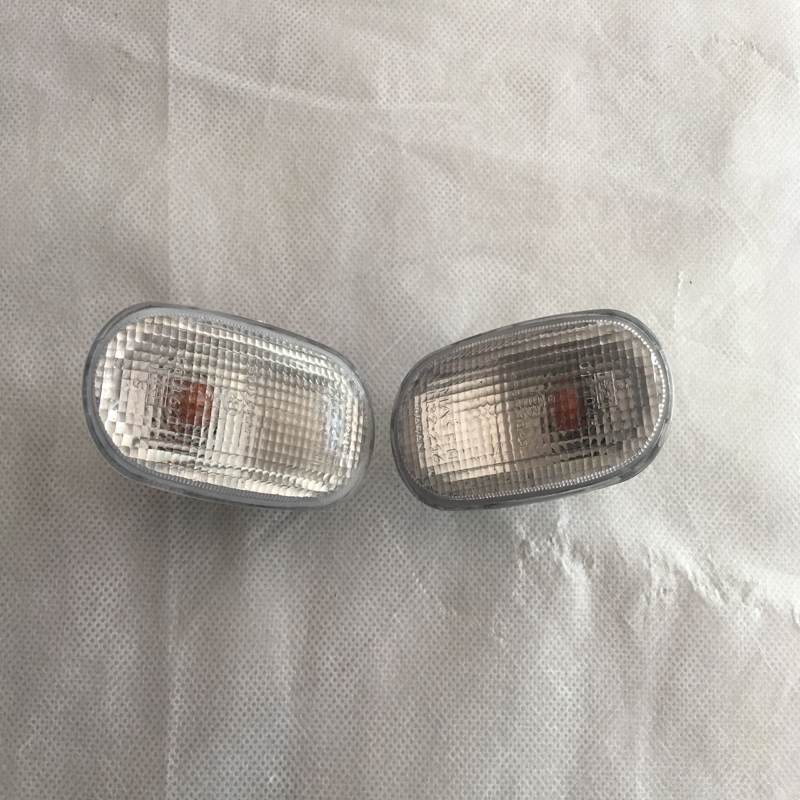 1Pair LH+RH Turn Signals Lights Front Corner Fender Side Marker Lamps for Mitsubishi Pajero 1996-1998 2 pcs pair rh and lh front fender side marker lights turn lamps for toyota coralla 2007 2009