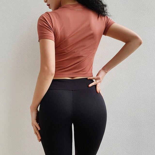 Short-sleeve Seamless Sport Shirts Women Crop Top Yoga Sport T-shirt Workout Tops Sports Wear For Women Gym Fitness Clothes 2