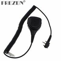 talkie walkie מיקרופון רמקול אטים לגשם Shoulder מיקרופון מיקרופון Talkie Walkie רמקול עבור רדיו רגיל ורטקס VX-231 VX140 // 180/210 / 210A / 231/246/410/426 (1)