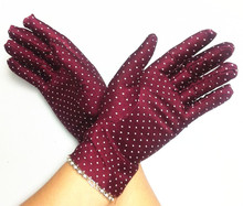 Free delivery three pairs 100% cotton plastic dotted backyard working glove security defending flower printed model