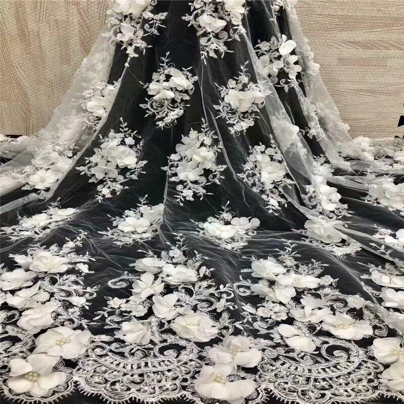 Tissu de dentelle africaine 2018 dentelle de haute qualité avec perles nigérianes Tulle maille dentelle blanche tissus de dentelle pour les Parties africaines F1268