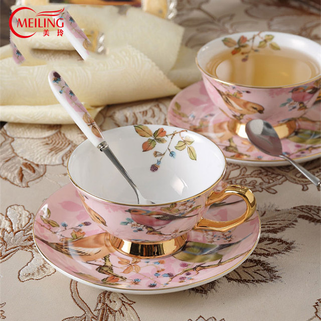 Luxury European Ceramic Bird Leaf Coffee Mug Set Pink Tea Cups Table Decoration Handmade Cup With