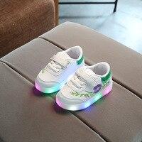 Led Flor das crianças Lazer Sapatos Primavera Outono Nova Bordado sapatos para Engraxar os Sapatos Menino e Menina Anti-patins Pequeno Branco sapatos