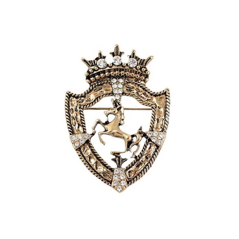 2017 Cruz Broche Nova Metrosexual Casaco Cavalo Broches Crachá Escudo Do Vintage Terno Britânico Broche Coroa Pin Acessórios High-end