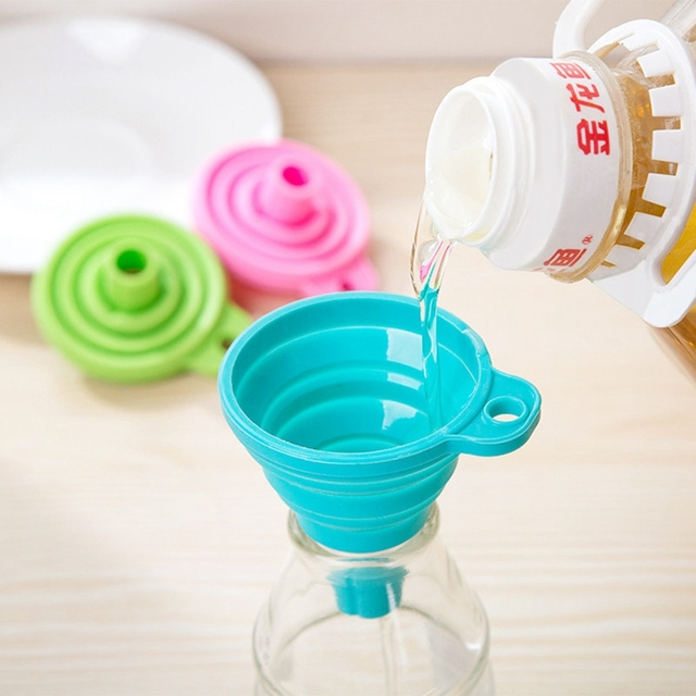 Kitchen Accessories Anti-spill Silicone Slip On Pour Soup Spout Funnel for Pots Pans and Bowls and Jars Kitchen Gadget Tool