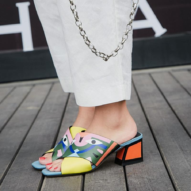 Pic Bande En as Dessinée toe Fleurs Main Choo 2018 La D'été Mode Cuir À Femme Eunice Style Peint Véritable Chaussures Plage Peep As Pantoufle Pic De Street SZqyHwax
