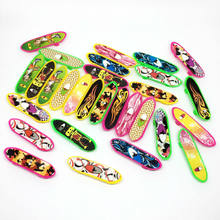 10pcs/lot Finger Skateboard Plastic Random Colors Mini Fingerboard Cote Scooter Hand Toys For Children Novelty Kids Gift Toys(China)