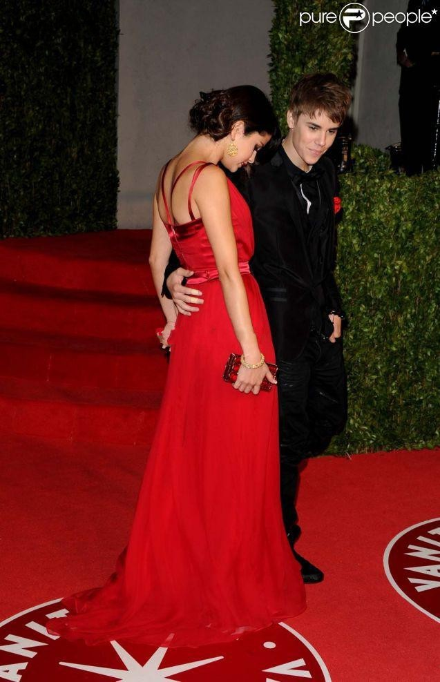 Justin Bieber And Selena Prom Dress Gomez Oscar Party of Vanity Fair red  Long Prom Dresses Robe De Festa Bestoffers GL-in Evening Dresses from  Weddings ... 98527fb9d02c