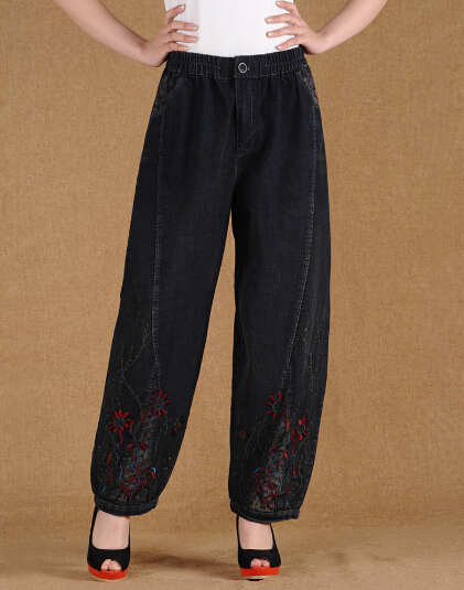 цены Loose cotton embroidery pants for women plus size elastic waist casual loose trousers female spring autumn winter emm0501