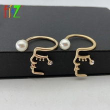 купить F.J4Z Vintage Brand Rings for Women Fashion Human Face Simulated Pearl Cuff Finger Rings Jewelry anillos de mujeres дешево