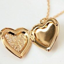 2017 The Latest Heart-shaped Necklace Love To Play Open A Small Photo Korean Female Hollow Box Necklace With Flower