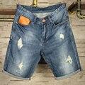 Europeus e Americanos do vintage buraco shorts jeans Na Altura Do Joelho masculino verão fina bermuda bermudas retas Magros culatras maré casuais