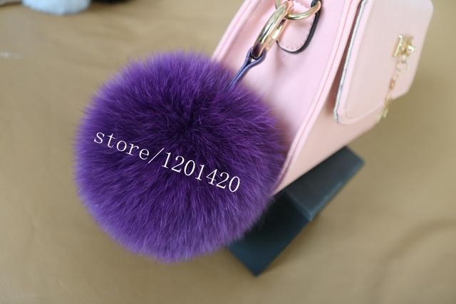 Diseño de Tamaño grande púrpura Bola de la Piel del Bolso del encanto de Las Mujeres Accesorios Del Bolso Genuino encanto de la Bola de piel de Mapache de Las Mujeres Del Encanto Del Bolso karl
