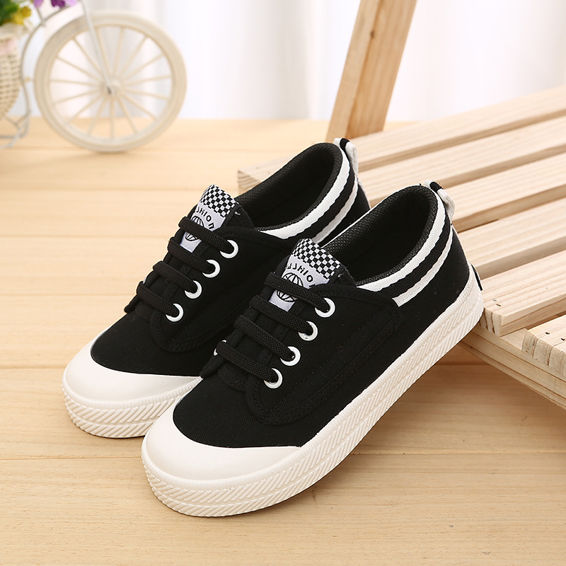 2017 Cool canvas classic children casual shoes hot sales high quality boys girls shoes lace up solid color kids sneakers