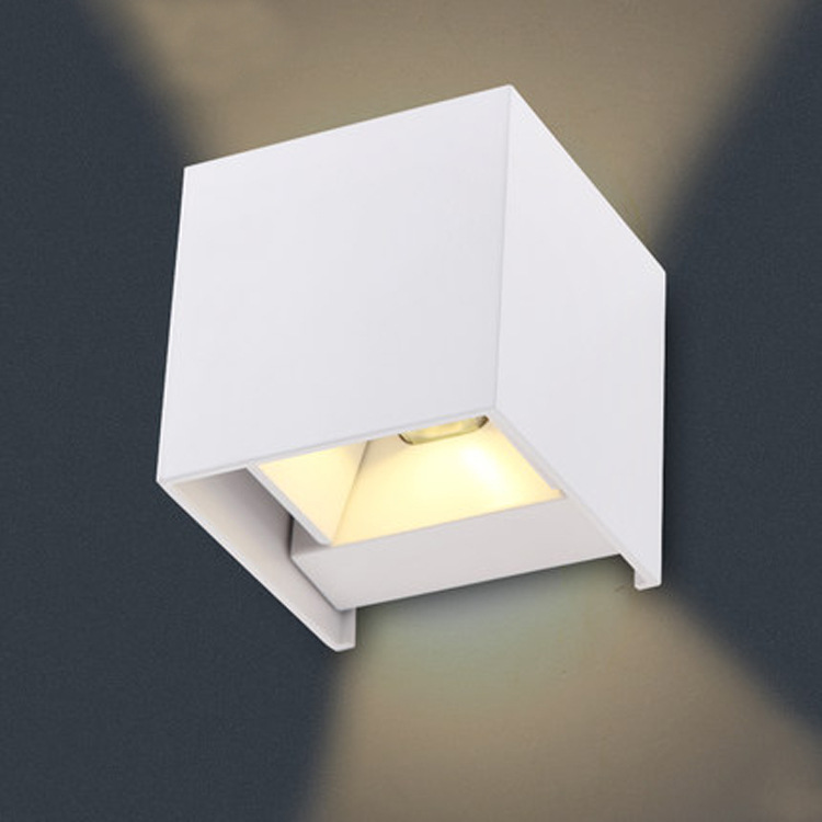 ФОТО Waterproof Outdoor Wall Lamp 8W LED Source Up And Down Lighting Modern Minimalist Indoor Outdoor Engineering Porch Garden Light
