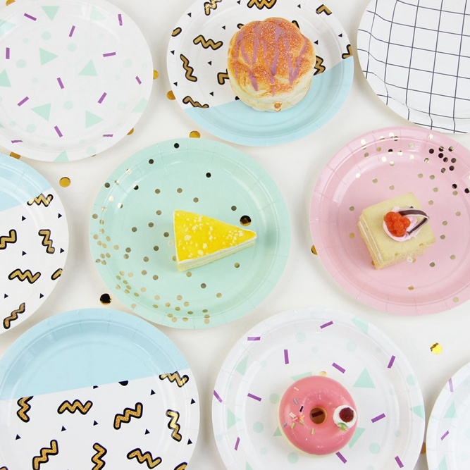 Table Dessert Sparkle Gold Polka Dot Paper Plates Cups Favor Bags Confetti Plates Table Setting Birthday Showers Wedding Party-in Party DIY Decorations from ...  sc 1 st  AliExpress.com & Table Dessert Sparkle Gold Polka Dot Paper Plates Cups Favor Bags ...