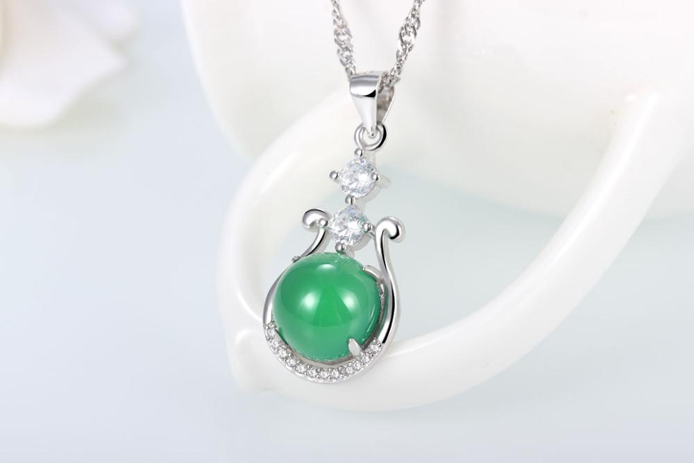 Sterling Silver Natural Chalcedony Pendant Classic Vintage Green  Bead Necklace