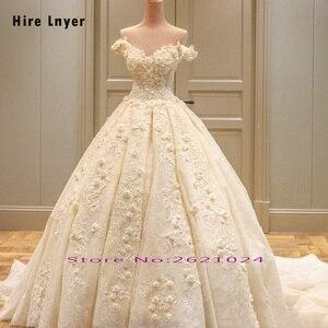 Image 2 - לשכור LNYER תפור לפי מידה כבוי כתף שרוול קצר ואגלי אפליקציות תחרה פרחי נסיכת כדור שמלת חתונת שמלות בתוספת גודל