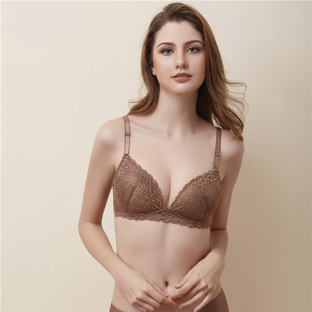 df6edeb7e7 2018 new lace bra girl sexy gathered comfortable no steel ring side push  concentrated cup underwear linen set push up lingerie