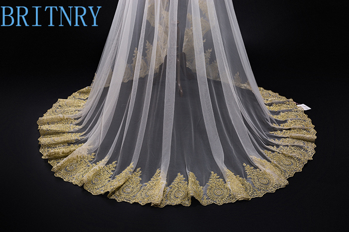 Image 4 - New Arrival Appliques Wedding Veil Gold Lace Edge Long Veil Wedding AccessoriesWhite Ivory Light Champagne Tulle Bridal Veil-in Bridal Veils from Weddings & Events