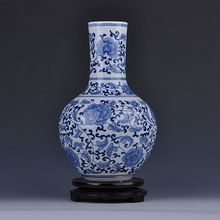 of Jingdezhen ceramics antique blue and white bottle decoration Home Furnishing the living room