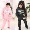 Conjuntos de roupas de inverno crianças com capuz carta boutique meninas Além de veludo meninos inverno fiapos grosso camisolas roupas de ação de graças