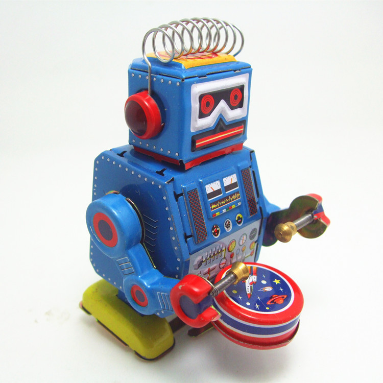 Old fashioned robot toys 79
