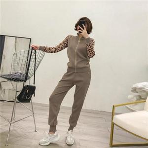 Image 4 - ผู้หญิง Tracksuits ใหม่ 2019 ฤดูใบไม้ผลิถัก 2 ชิ้นชุด Slim Zipper Cardigans เสื้อ + ชุดกางเกงยาวผู้หญิงเสือดาว Sportwear