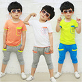 2016 versão Coreana do verão as novas crianças roupas ternos meninos cotton curto-manga comprida T-shirt de duas peças meninos conjunto esportes maré