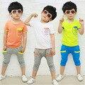 2016 versión Coreana del verano de la ropa de los nuevos niños trajes de algodón de los muchachos de manga corta Camiseta de dos piezas niños marea conjunto deportes
