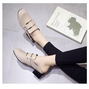 Image 3 - Buty designerskie damskie luksusowe 2020 letnia kobieta moda czarna praca lakierki wysokiej jakości Plus size damskie buty Zapatos mujer