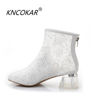 In the summer, a pair of short boots with a pair of lace sandals and a pair of lace sandals, Korean crystal and ankle boots