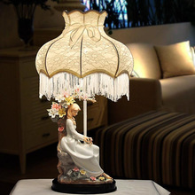 TUDA European style lamp bedroom bedside lamp creative living room Princess marriage room decoration retro pastoral ceramic lamp