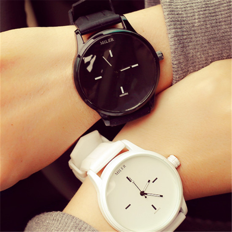2018 Watches Men Luxury Brand Ulzzang Sports Couple Watches Best Selling Products in America Quartz Timepieces for Couple wholesale low laser therapy best selling products for women for tighten vaginal best selling products for women