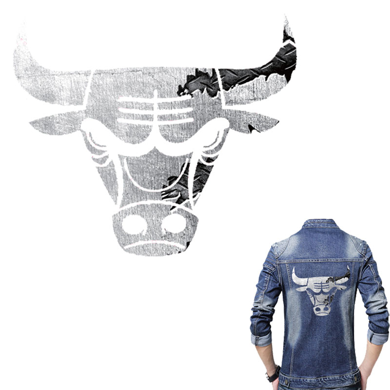 Grey Bulls Patch 22 * ​​19cm Iron On Patches A-Level Vaskbare Patches For Klær Jeans Heat Transfer Easy By Household Irons