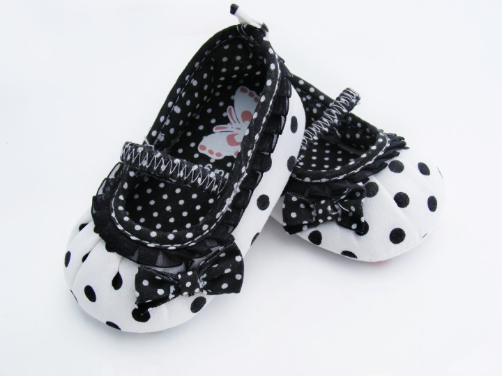 Cotton Cloth Girls Shoes Lace Welt Baby Shoes Butterfly Embroiderd Sole Shoes for Kids Cute Toddler Shoes