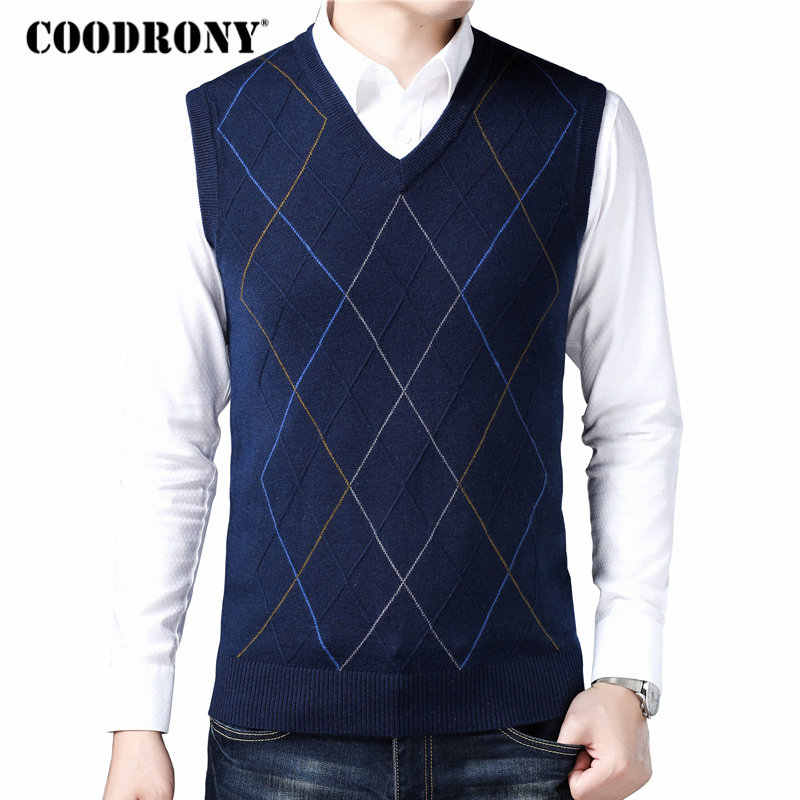 d9f169ea0edd0d COODRONY Casual Argyle V-Neck Sleeveless Vest Men Clothes 2018 Autumn  Winter New Arrival Knitted