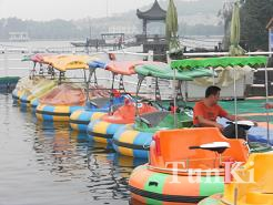 Newly Design Motor Bumper Boats For Kids And AdultsNewly Design Motor Bumper Boats For Kids And Adults