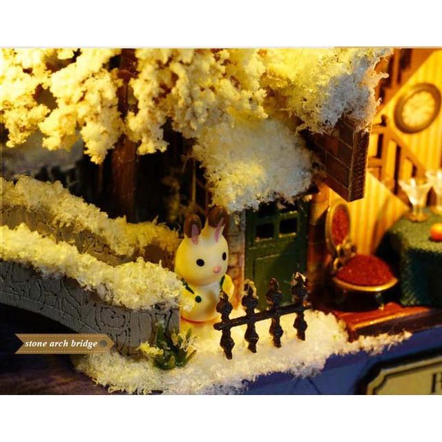Roam Around in Winter Handmade Box