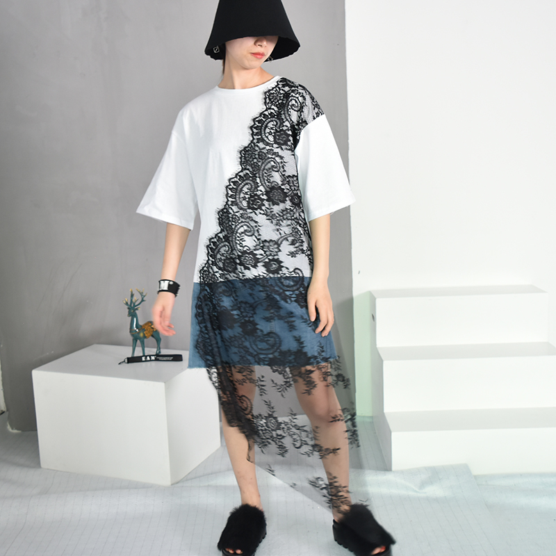 [EAM] 2018 Autumn Summer New Fashion O-neck White Solid Striped Dot Printed Lace Short Sleeve Asymmetry Women T-shirt RA180