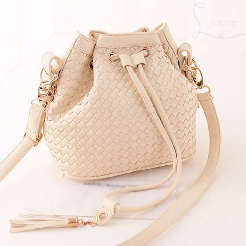 2015 new fashion trend of Korean simple retro woven bucket bag small fresh sprout Shoulder women Messenger bags Handbags люстра kolarz amadeus 0381 85 3 3 spt