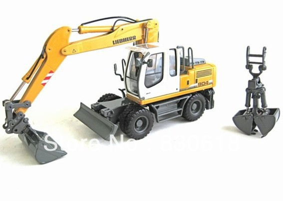 1/50 Liebherr R904C Wheeled Excavator w/Clam toy first gear 50 3246 komatsu d65px 17 bulldozer w hitch 1 50 nib toy