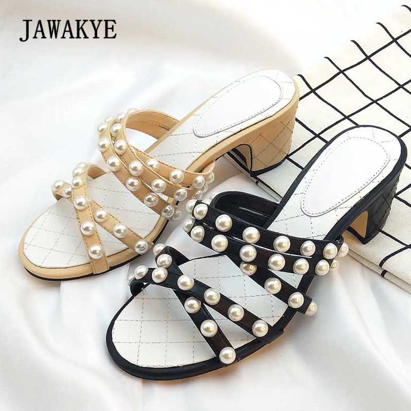 2018 Pearl Belt Gladiator Sandals Woman Open Toe Slip On Low Heel Shoes Woman Flat Slipper Female Fashion Beach Shoes