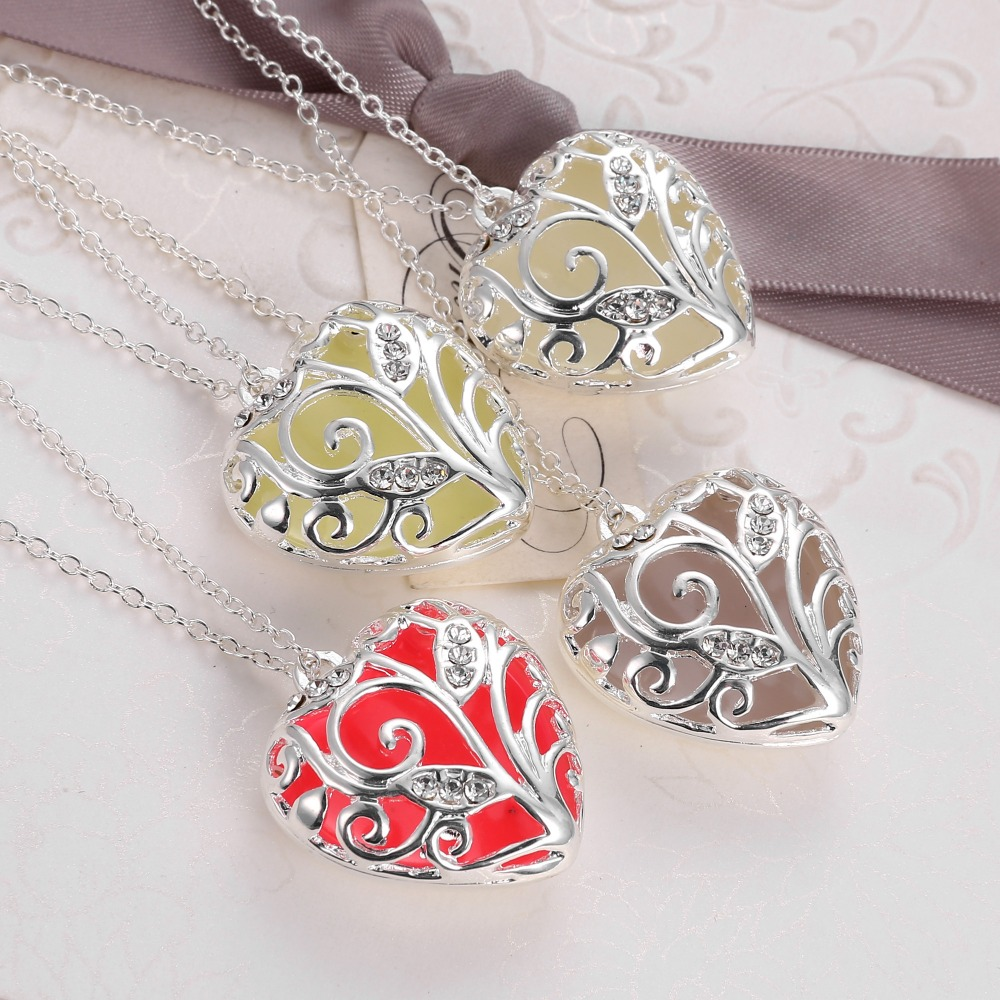 Nuevo collar Glow In The Dark Chocker Locket Silver Hollow Colgante - Bisutería - foto 5