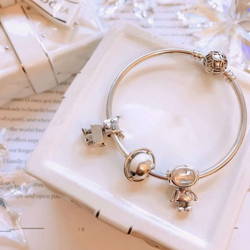GM100%925 Sterling Silver Original Copy High Quality 1:1 Robot Alien Planet Beads Bracelet Wholesale Free ShippingGM100%925 Sterling Silver Original Copy High Quality 1:1 Robot Alien Planet Beads Bracelet Wholesale Free Shipping