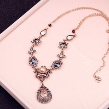 Free shipping! 2017 Hot Sale Fashion Crystal gold Luxury Peacock Pendant moon Necklace popular Female statement Wedding jewelry
