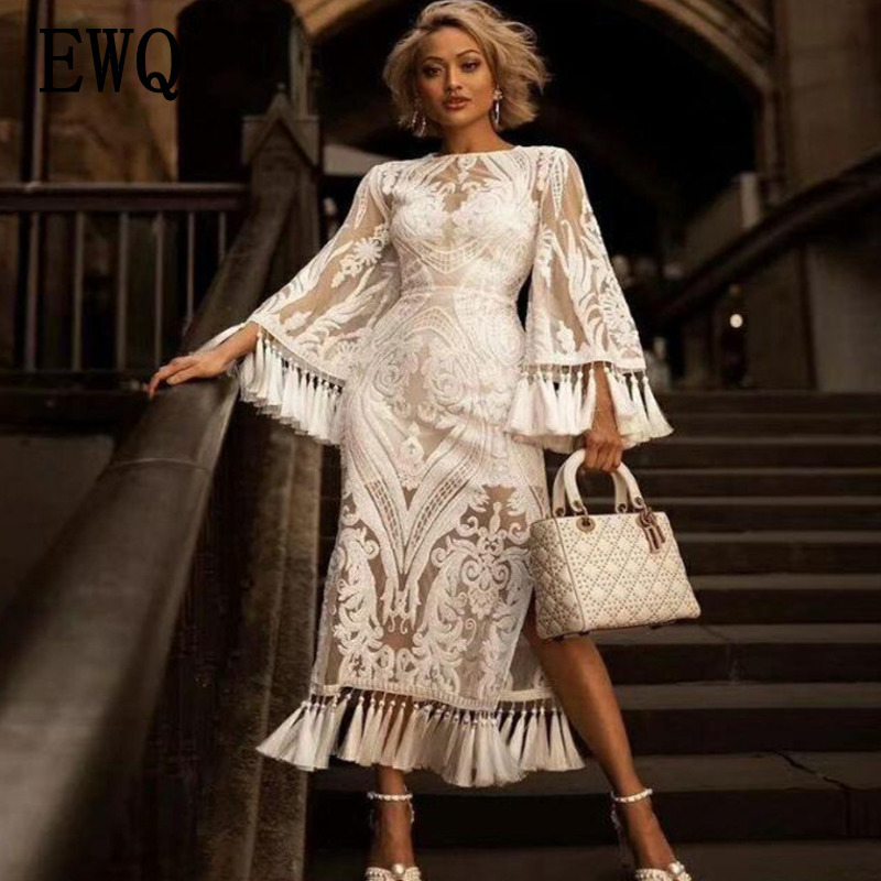 [EWQ] 2019 spring new Korean style loose fashion Embroidered dress Solid sleeves O-Neck hem split white lace dress women QF92100