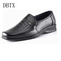 İndirim Erkekler Casual PU deri ayakkabı Erkekler Loafer'lar Üzerinde Kayma ayakkabı siyah Iş ayakkabıları rugan düğün ayakkabı erkekler