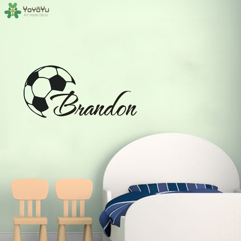 Изготовленные на заказ крутые футбольные Мальчики имя настенные наклейки виниловая роспись для мальчиков комната персональный футбольный постер украшение дома QQ140